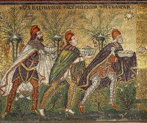 Natività, iconografia Basilica-di-sant-apollinare-nuovo-005-foto-di-b-pini